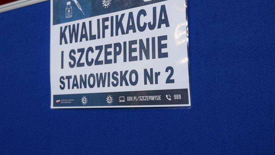 Trwa rejestracja na szczepienia w hali