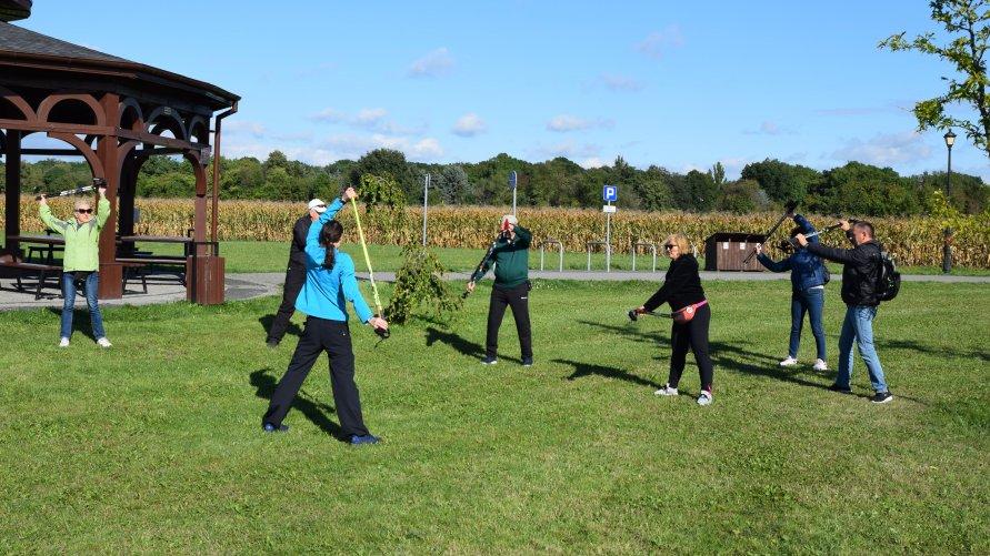 Trening nordic walking z mistrzynią